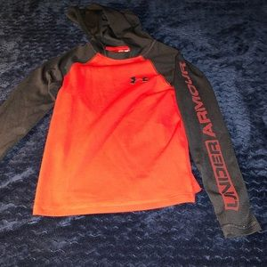 Kinds under Armour sweater size sm